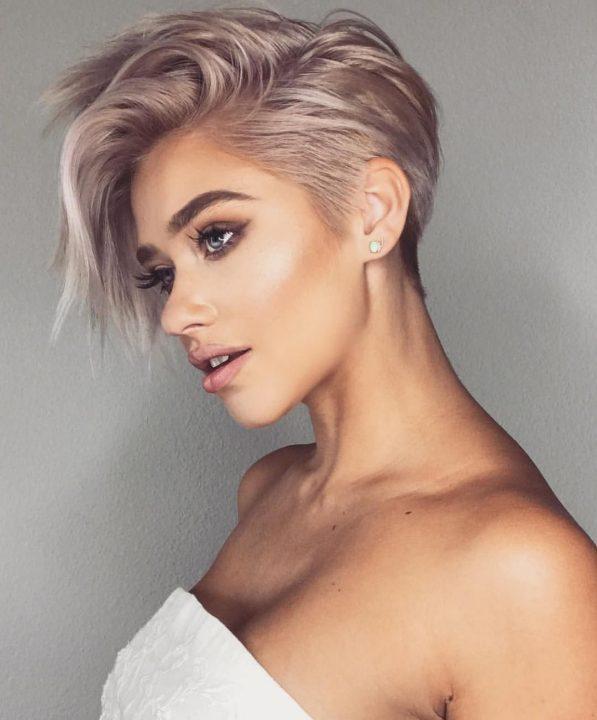 Short Hair Styles Design Idea for Women & Girls 0025