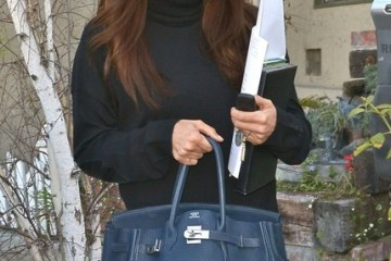 eva longoria before leaving ken paves salon (8)