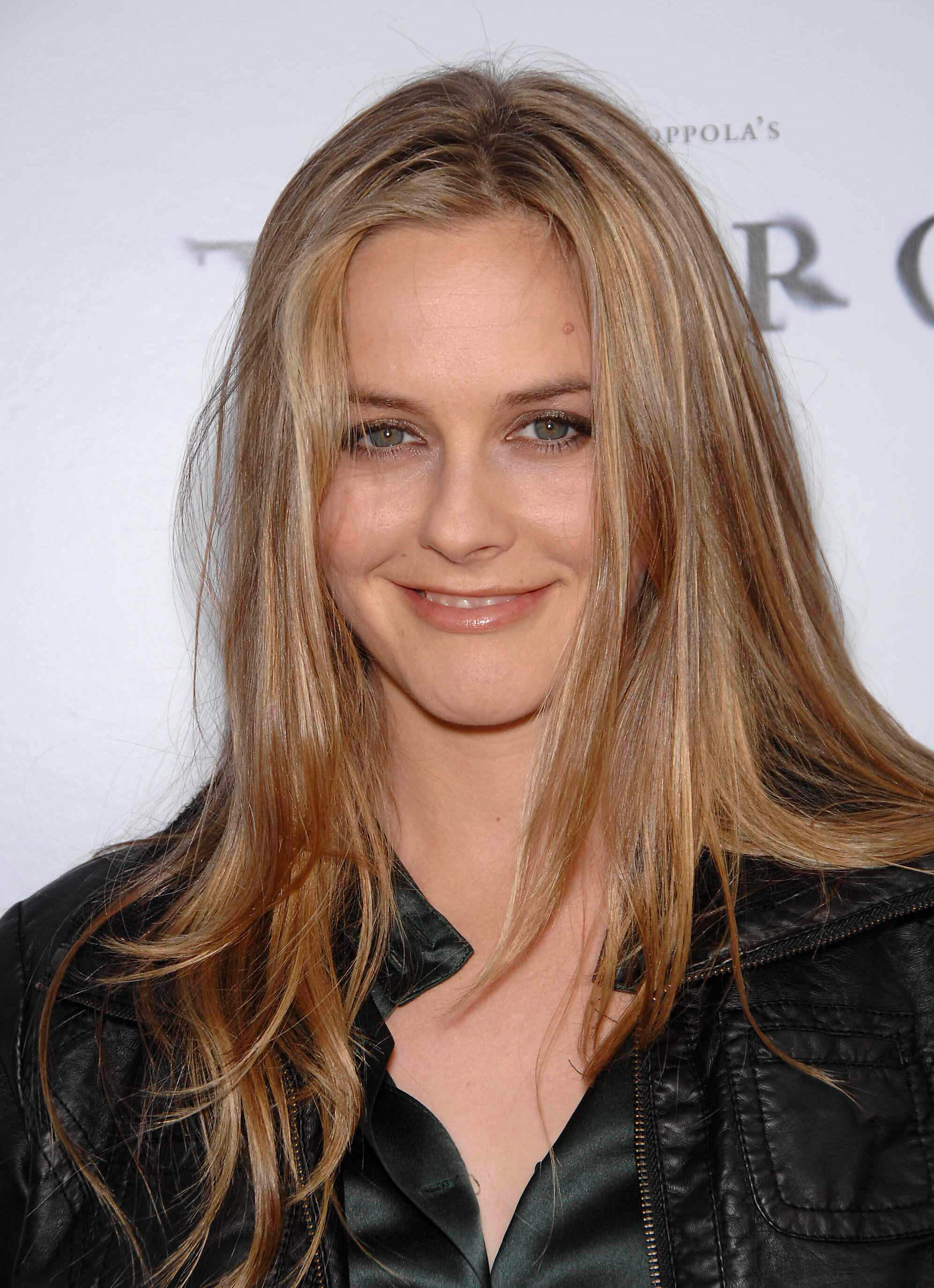 Pictures of Alicia Silverstone Picture 311395  Pictures Of Celebrities