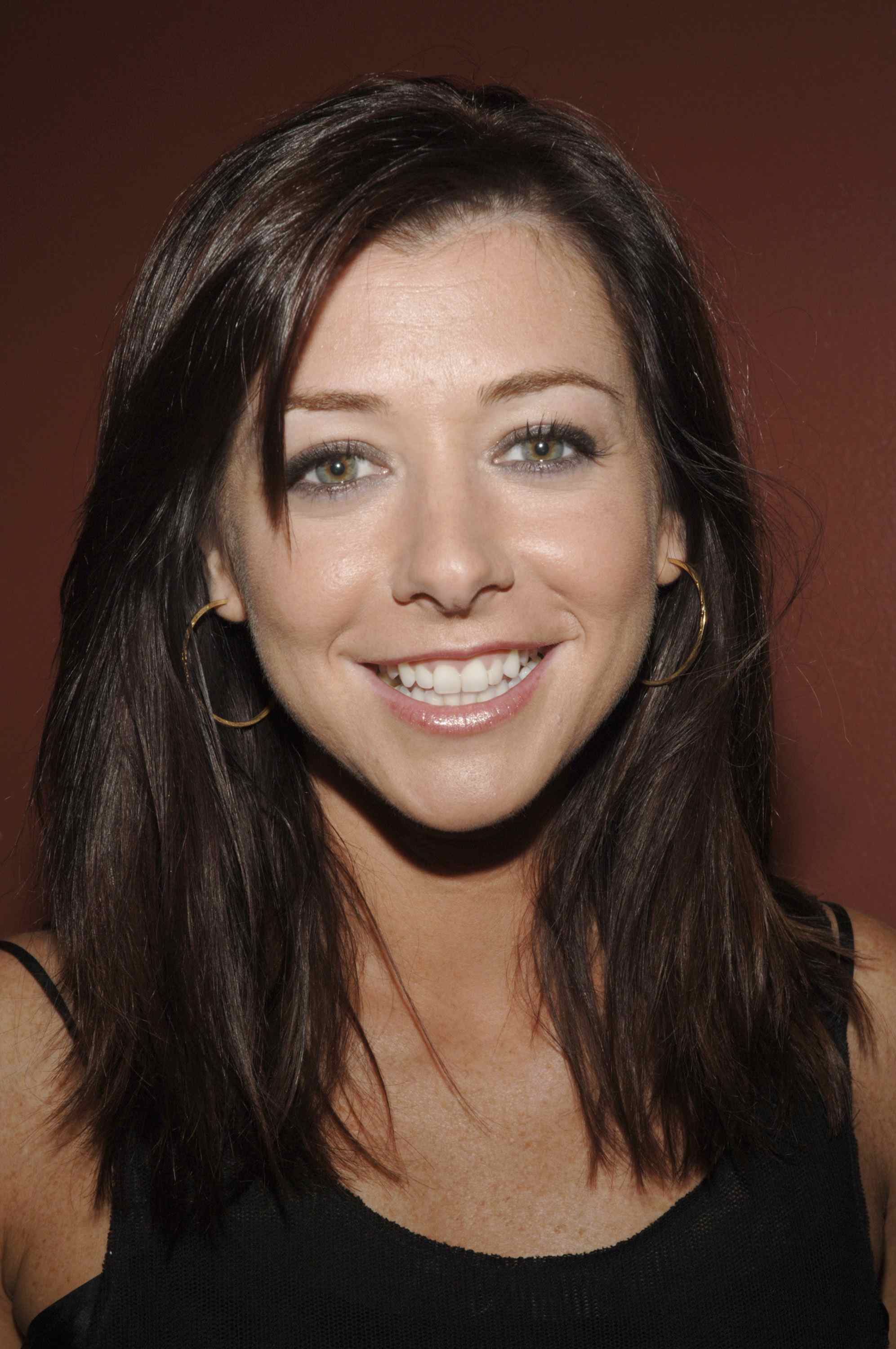 Pictures of Alyson Hannigan  Pictures Of Celebrities