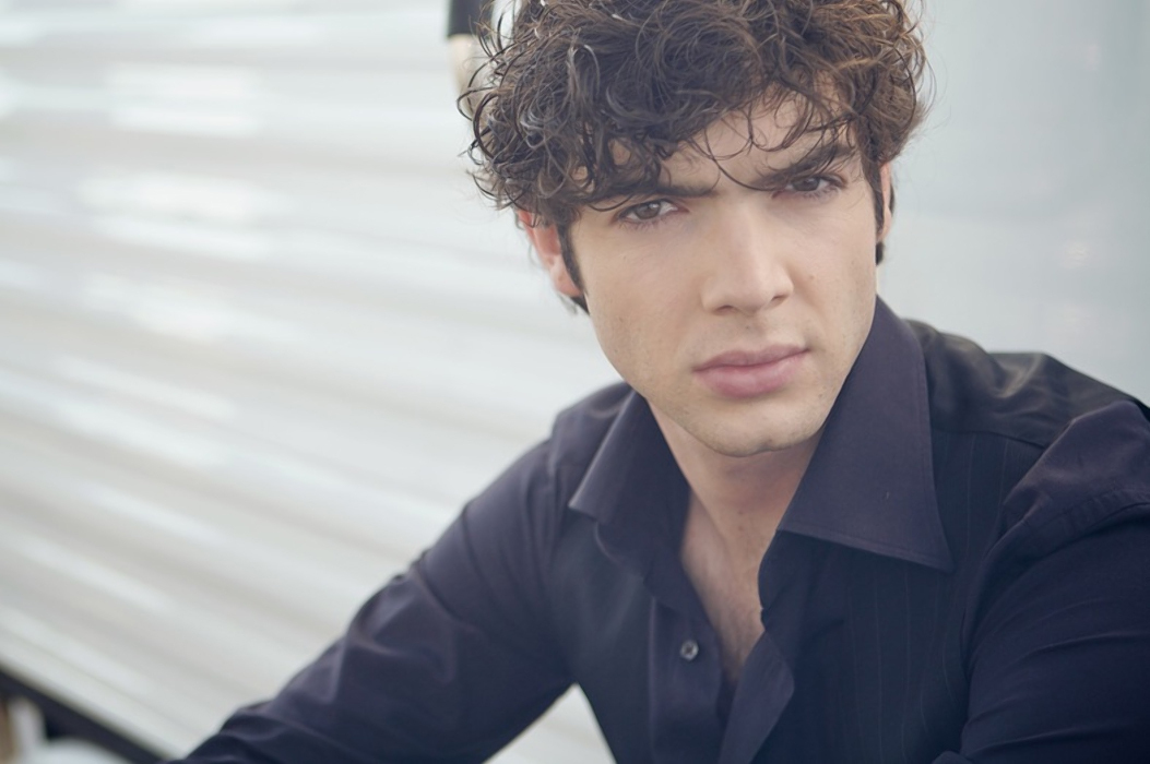 Pictures of Ethan Peck  Pictures Of Celebrities
