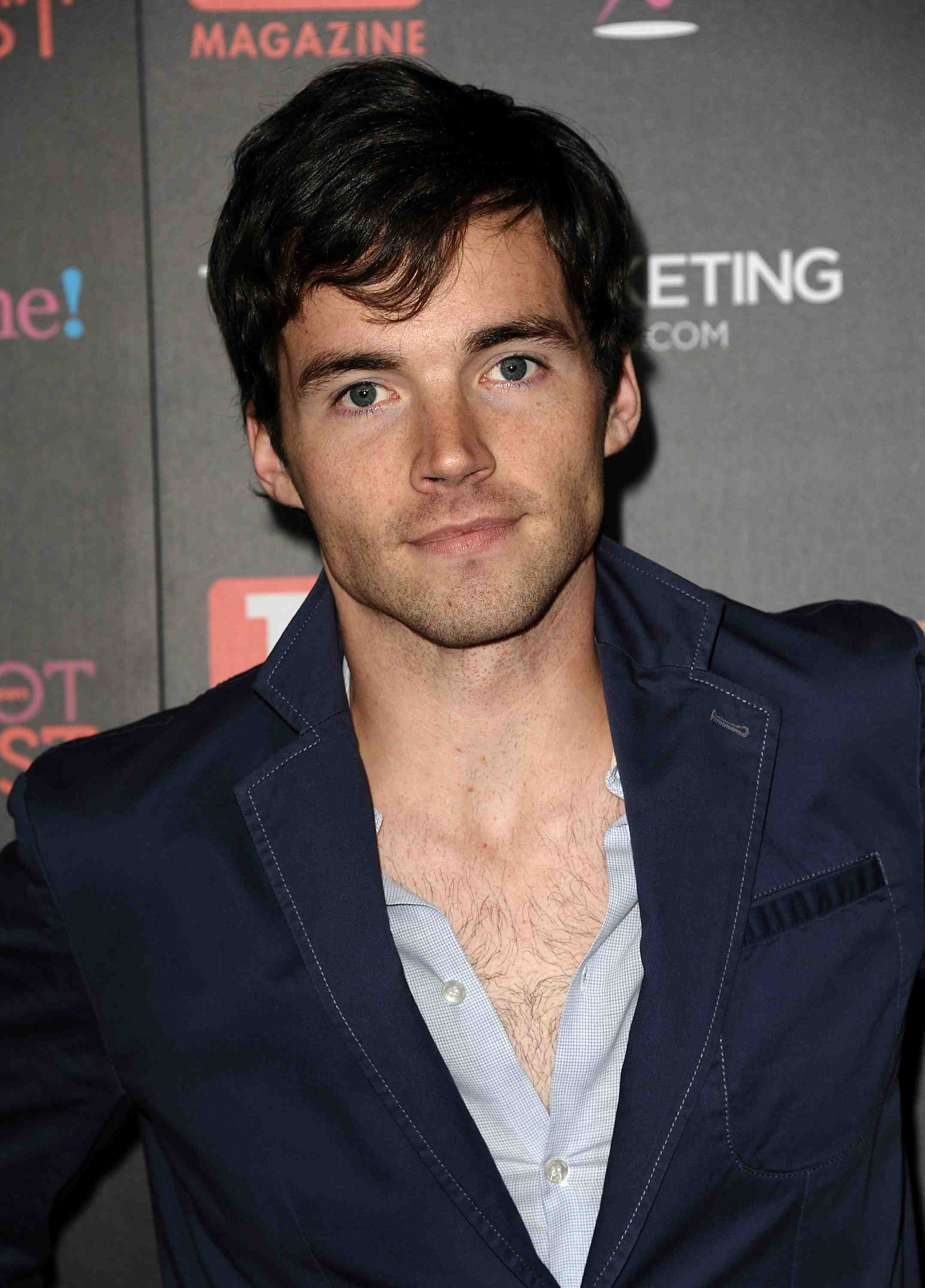 Pictures of Ian Harding  Pictures Of Celebrities