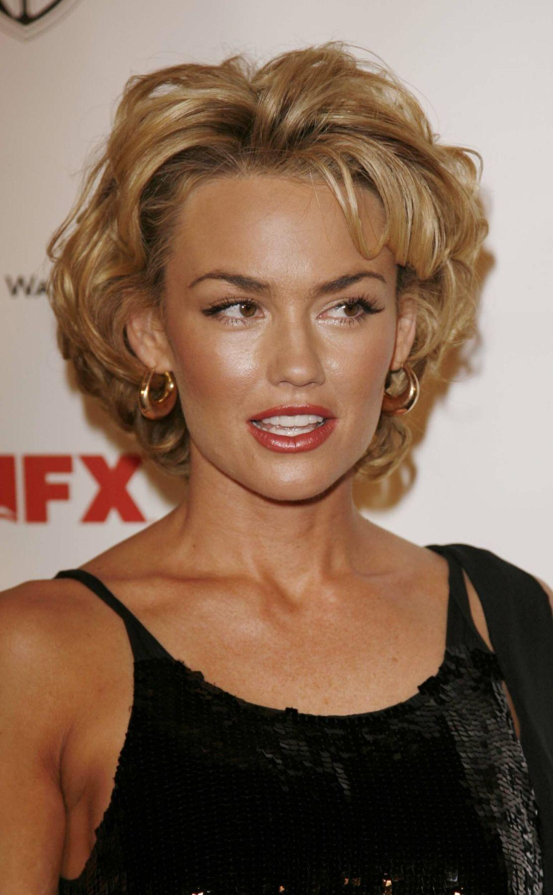 Pictures of Kelly Carlson Picture 25010  Pictures Of