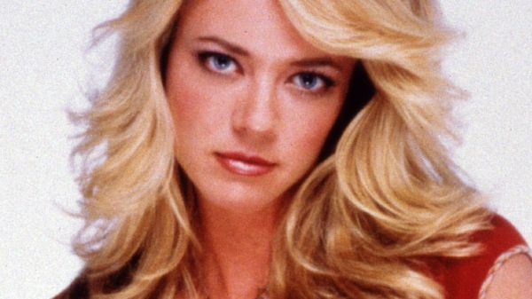 2017 Lisa Robin Kelly
