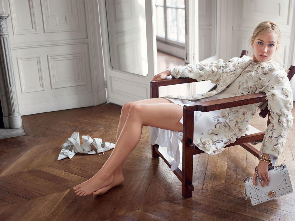 Blonde Girl Photo Wallpaper 2560x1440 Desktop Wallpaper Jennifer Lawrence White Dress Bare