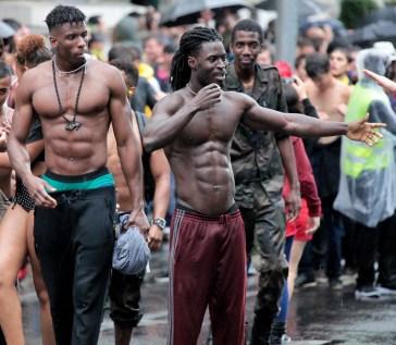 BLACK MEN FITNESS MUSCULATION ABS TRAINING