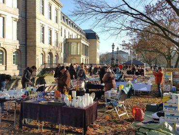 Der so genannte Altstadt-Flohmarkt in Hannover findet seit über 50 Jahren jeden Sonnabend am Hohen Ufer statt. (Foto: Markus Burgdorf)