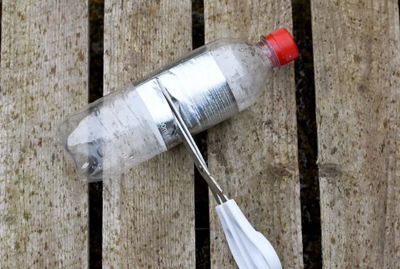 cutting plastic bottle