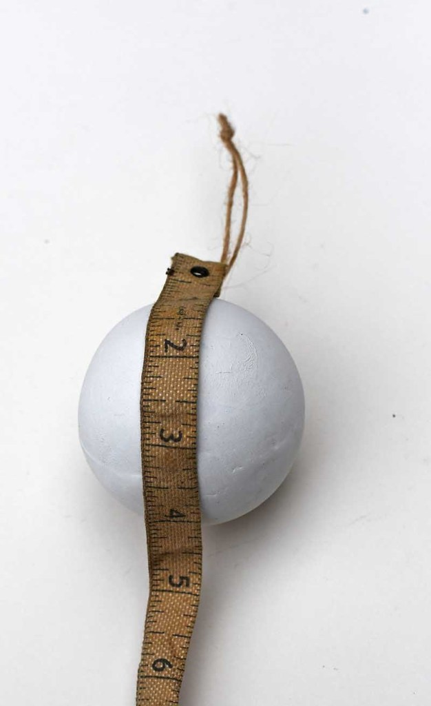 measuring bauble