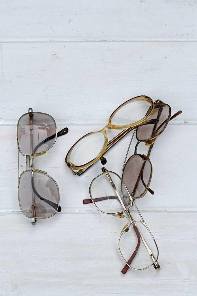 old eyeglasses for upcycled ornaments