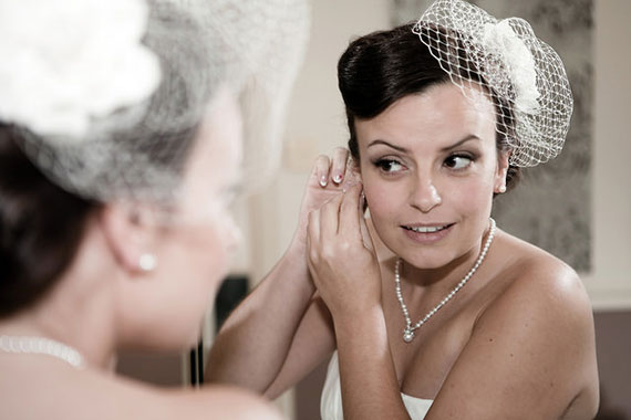 bride getting ready photography tips