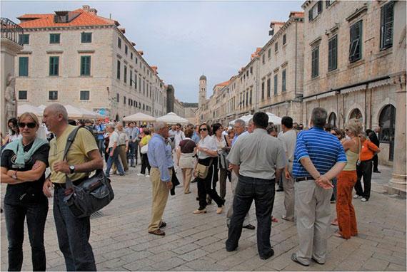 crowded tourist spot