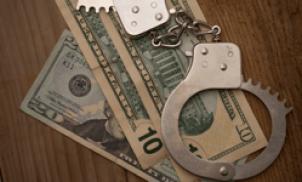 Honolulu stock broker sentenced for fraud