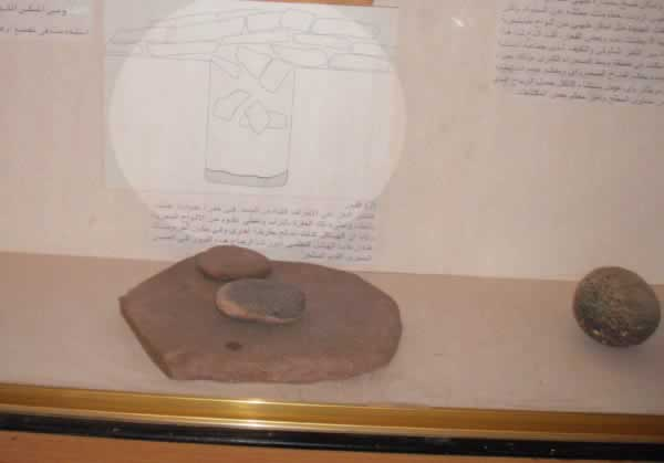 germa museum, fezzan, libya, graves from the late stone age