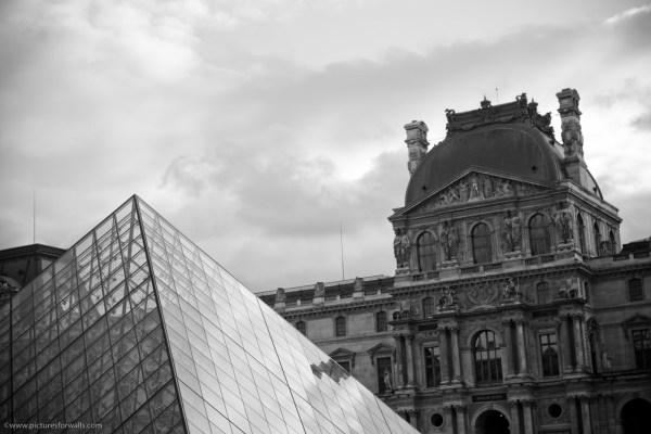 Louvre Desktop Background