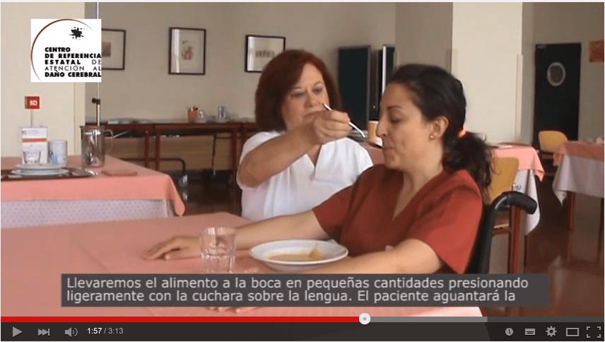 Principios básicos de la alimentación de una persona con disfagia
