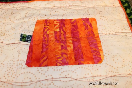 Tropical Pumpkins - quilting detail - piecefulthoughts.com