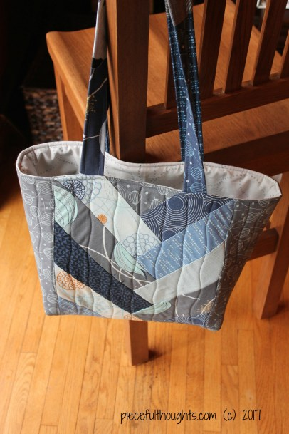 Pieceful Monday - Jolly Braid Tote Bag - piecefulthoughts.com 2017