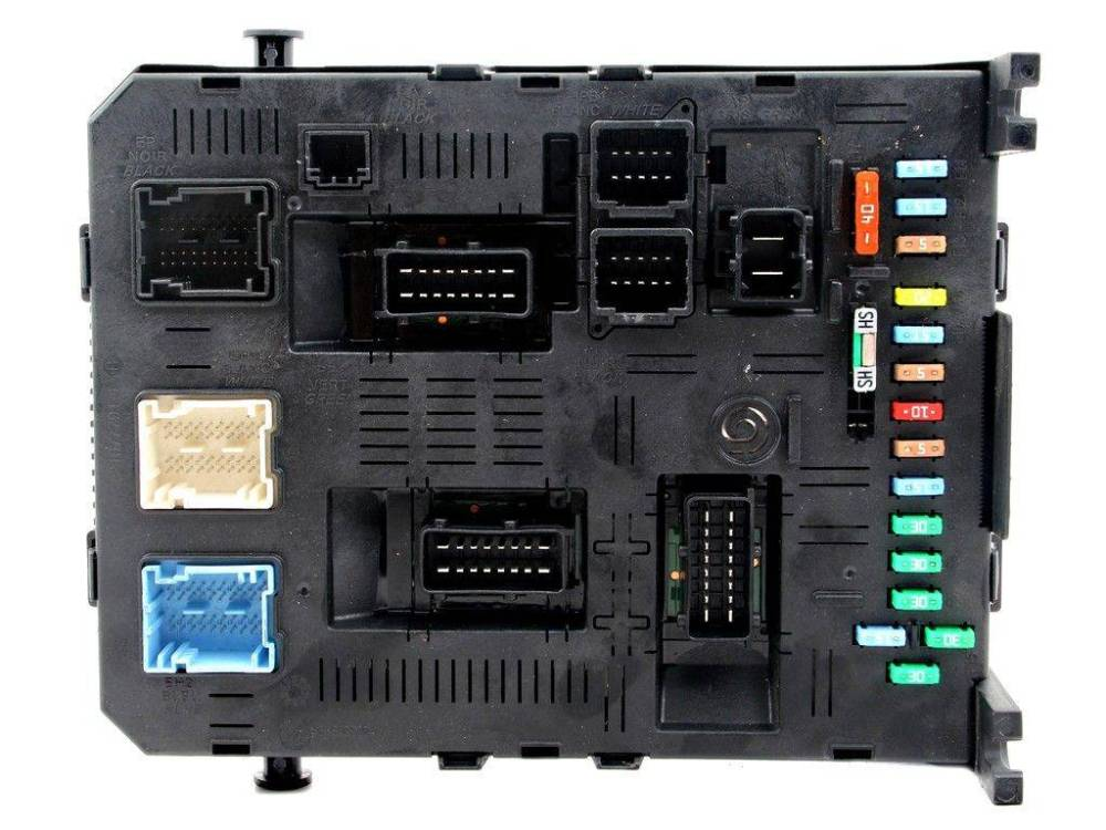 medium resolution of fuse box module bsi peugeot 307 01 08 sale auto spare part on pieces