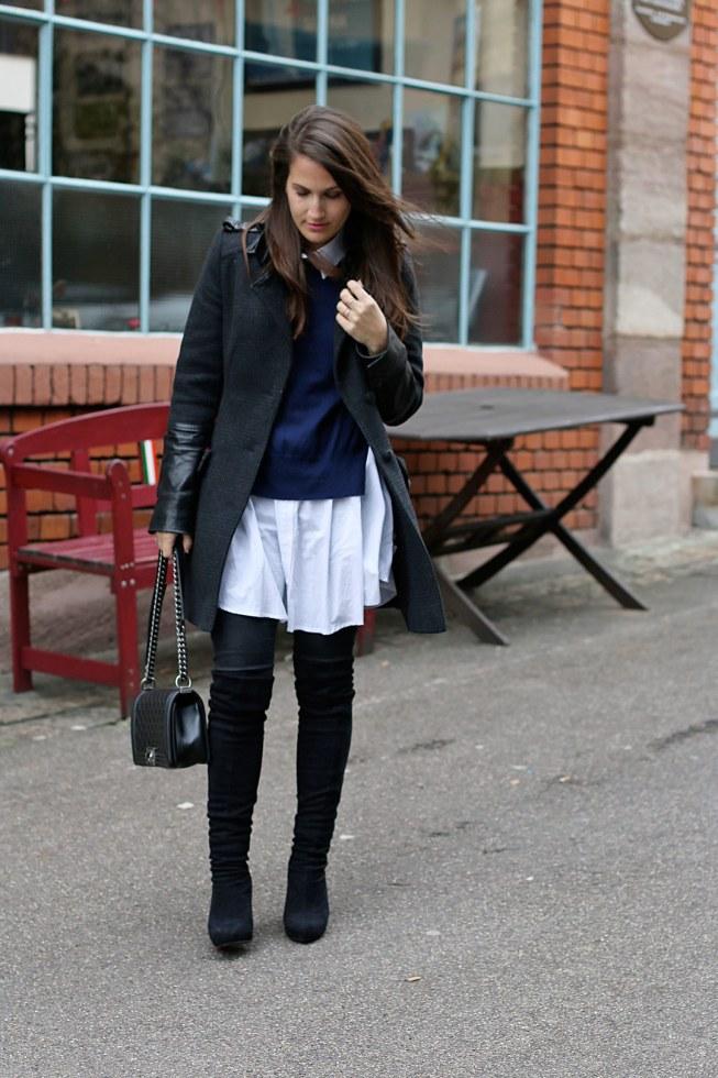 Schwarze Overknees, Isabel Marant Pullover und Blusenkleid