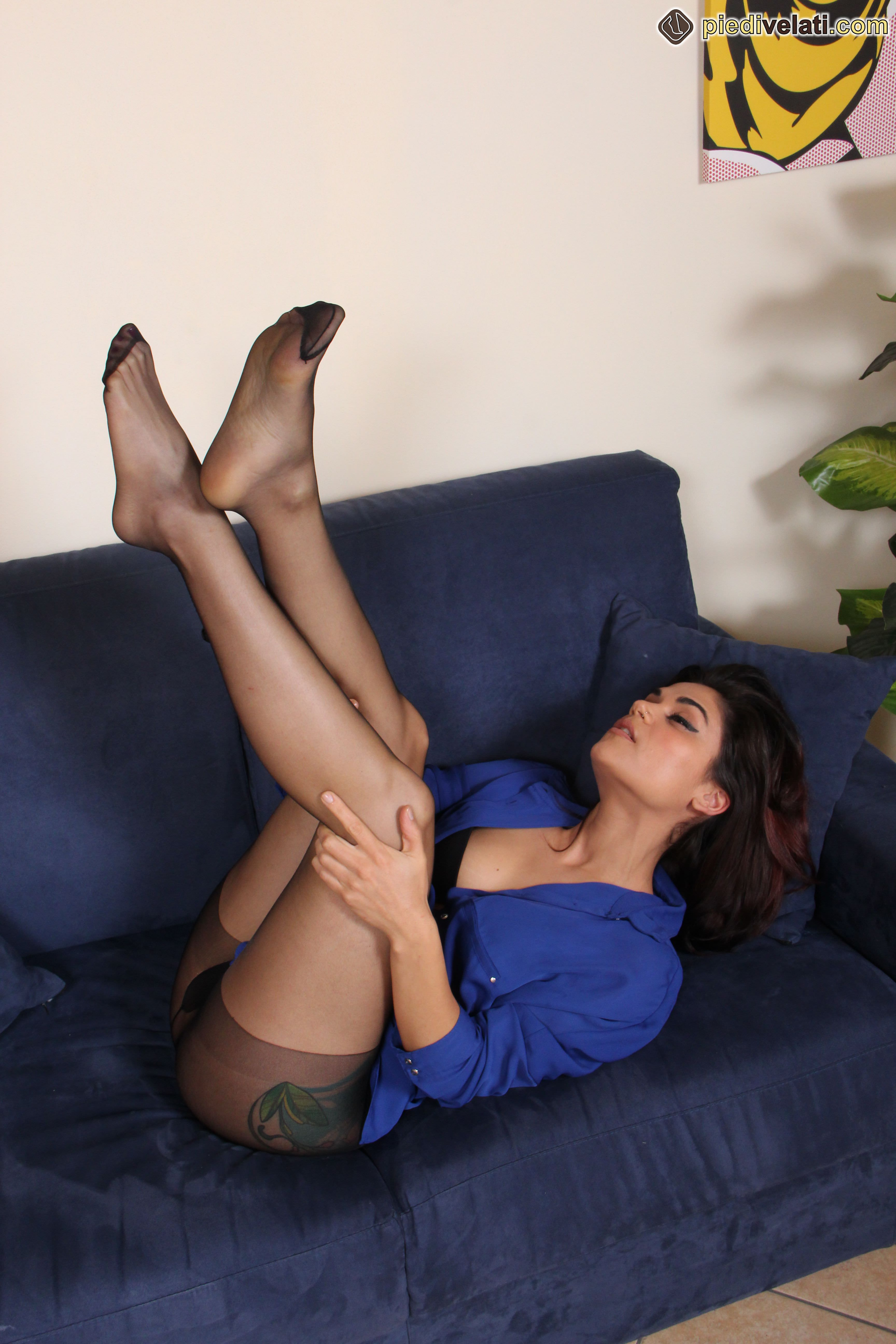 Free pictures from Nylon Feet Love Hosed feet lovers heaven