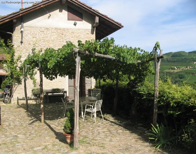 Due case di campagna in vendita in Piemonte Cossano Belbo 6604 PIEDMONT PROPERTY Immobili