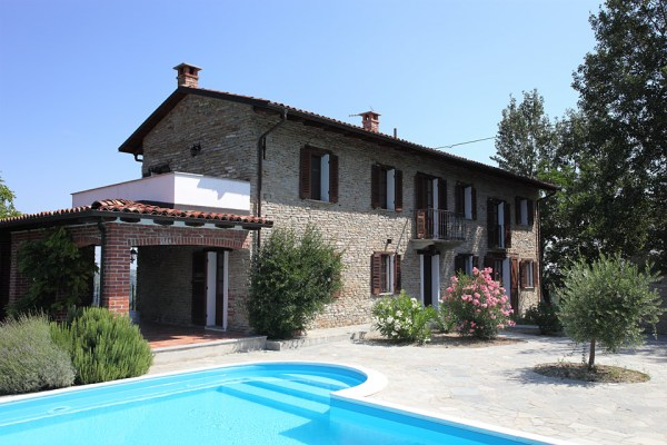 Stone house for sale in The Langhe region of Piemonte