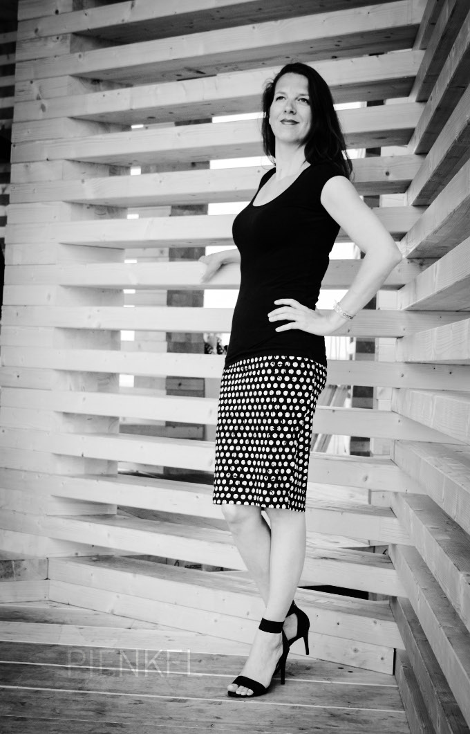 Pienkel Delia Creates Knit Pencil Skirt polkadot bw