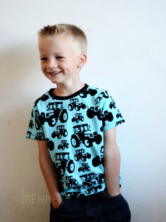Rowan Tee in Tractors Fabric