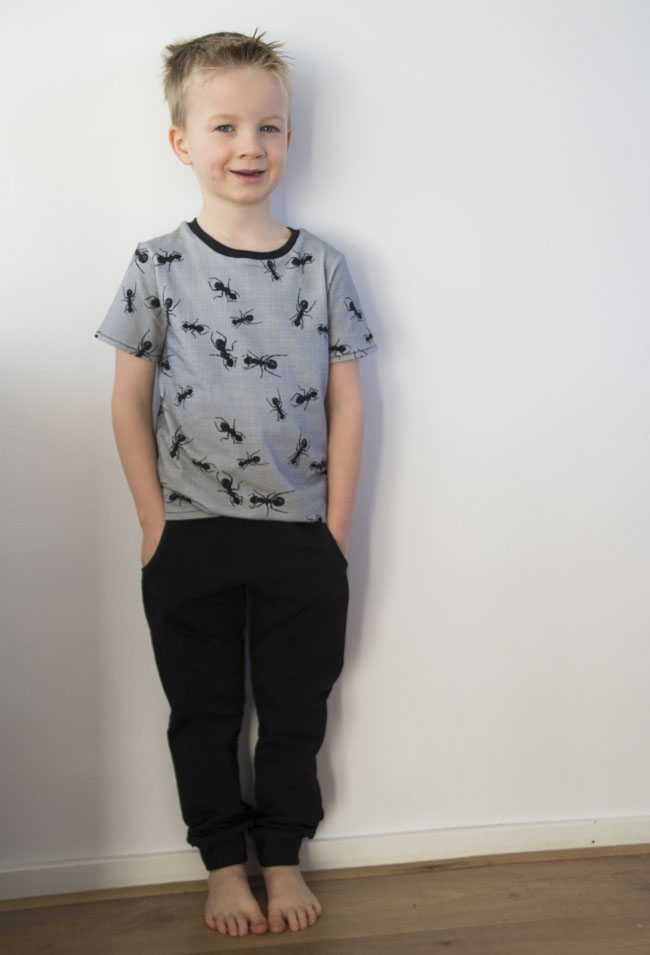Ants Outfit - Rowan Tee and Domi Sweatpants - Sewn by Pienkel