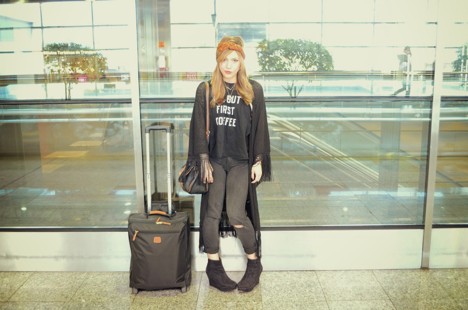 CHIC LOOK AIRPORT OUTFIT AND BRICS  Piensa en Chic