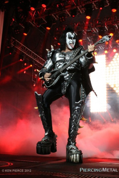kiss, kiss concert photos, gene simmons