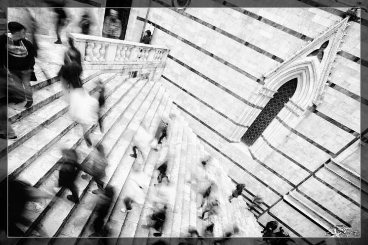 L'Effimero e L'Eterno – Scalinata del Battistero Siena