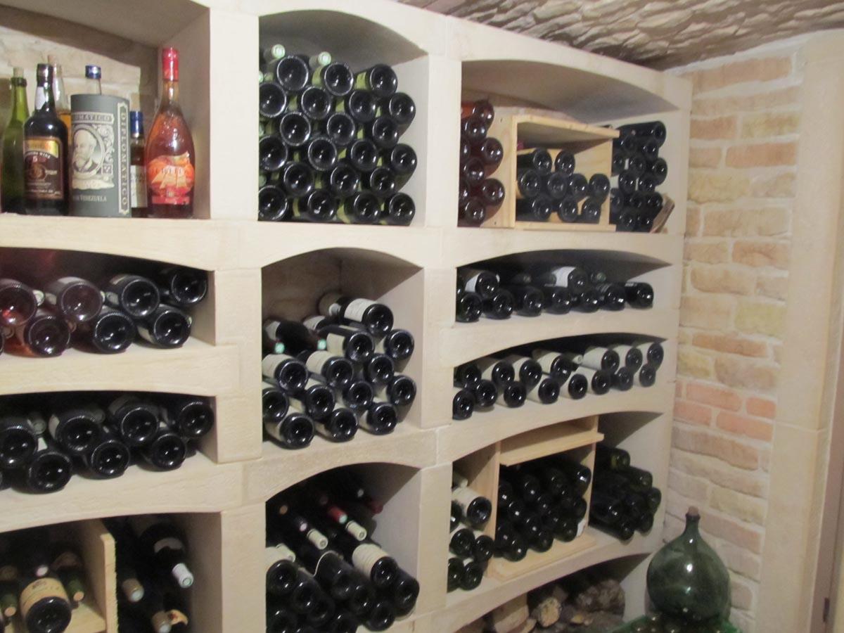 cave a vin en pierre reconstituee et