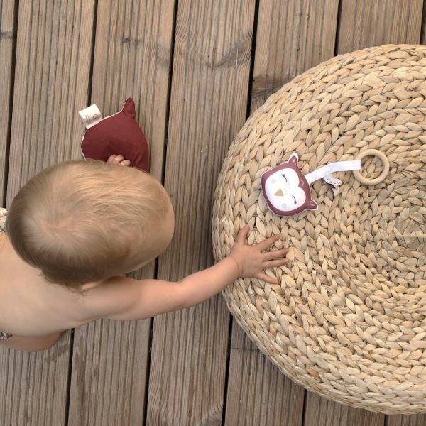 anneau-de-dentition-bouillotte-seche-noyaux-de-cerise-hibou-rouge-owl-cadeau-naissance-bebe-carottteetcie