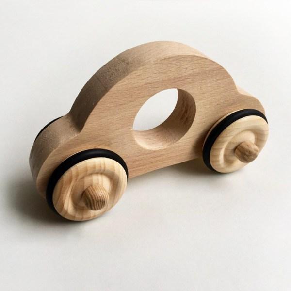 petite-voiture-anatole-en-bois