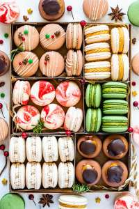 Christmas Macarons cookie box