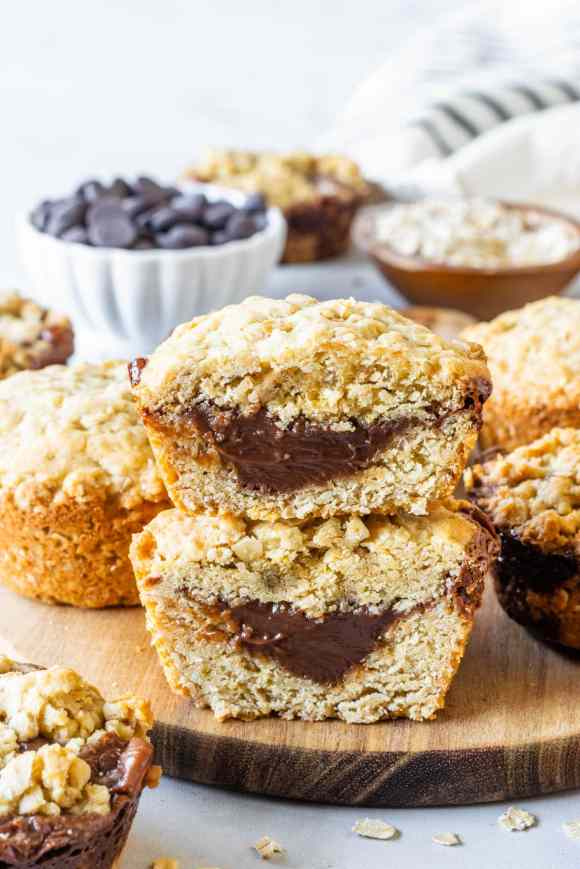 Baked Oatmeal cups with Chocolate Filling