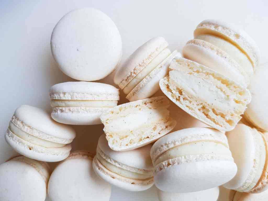 macaron shells with gaps in the middle