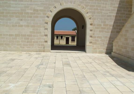 pavimenti pietra leccese carparo per interni ed esterni