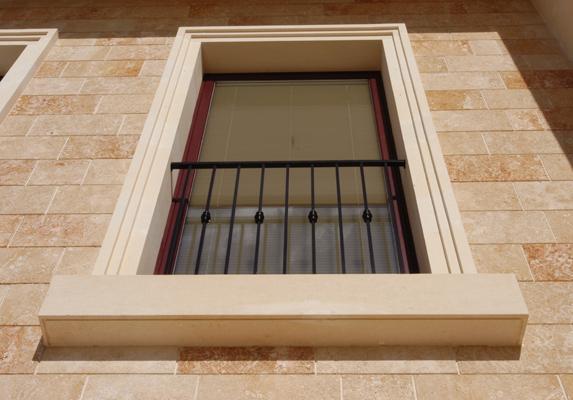 Imbotti porte e finestre pietra leccese carparo