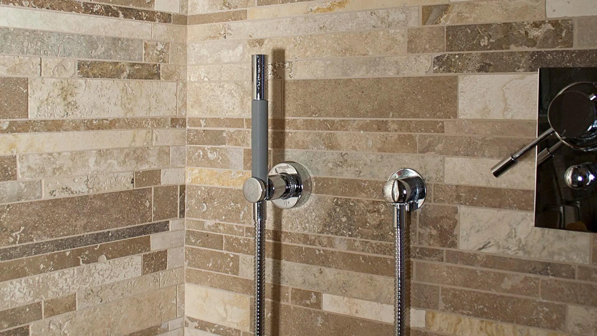 Mosaici in travertino e marmo per il bagno  Pietre di