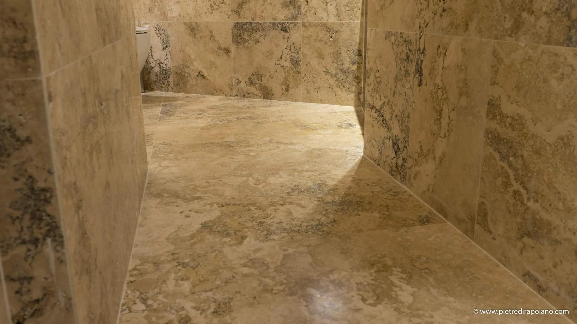 Pavimento bagno in travertino  Pietre di Rapolano