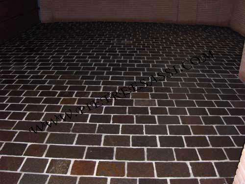 Pavimenti in pietra naturale per esterni  PIETREESASSI