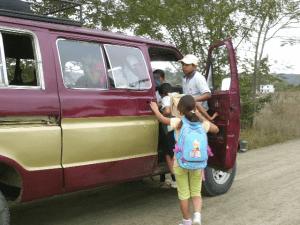 Nelle zone rurali andare a scuola in pulmino è un evento!