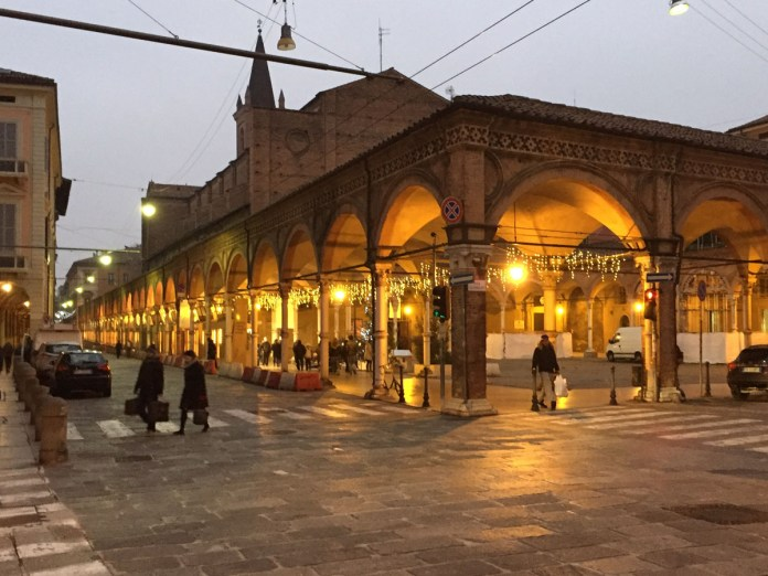 visitare bologna 36 ore portici