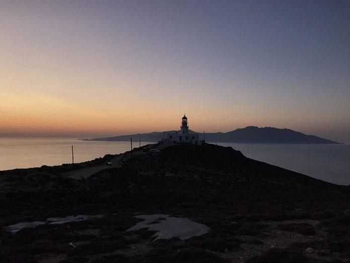 tramonto mykonos faro armenistis