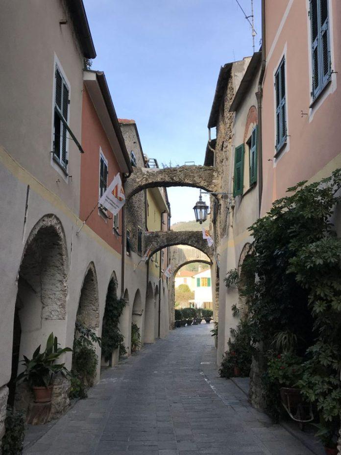 zuccarello centro storico