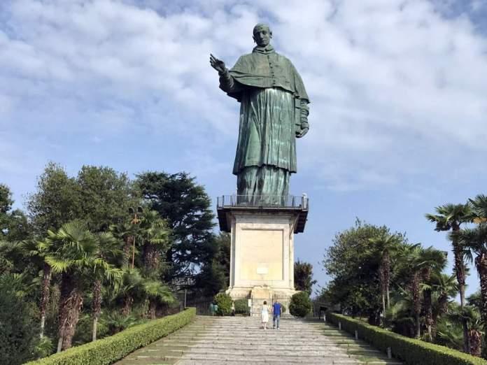 san carlone statua arona