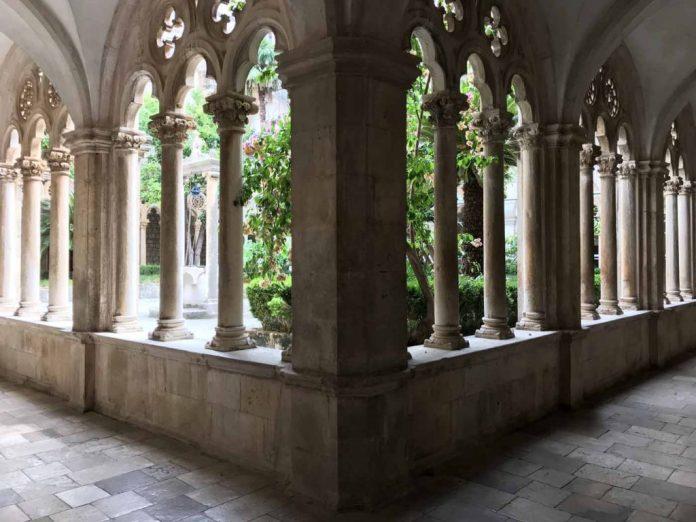 chiostro convento francescano